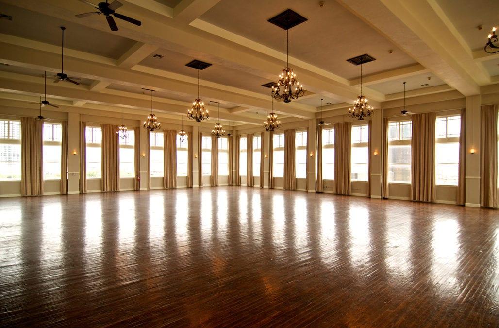 Dallas-Texas-Wedding-Venue-room-on-main-andrew-roby-events