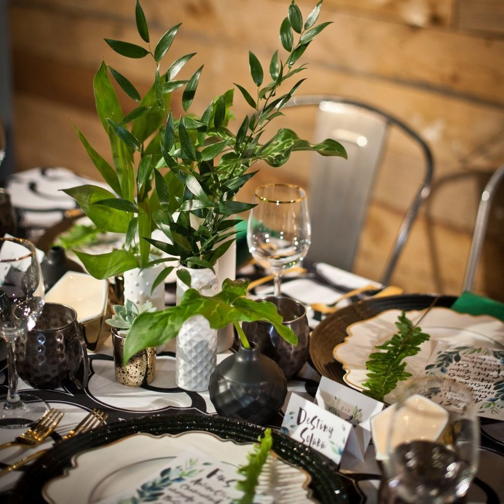 green-dinner-table-st-patricks-day-party-andrew-roby-events