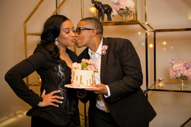 couple-kissing-andrew-roby-events