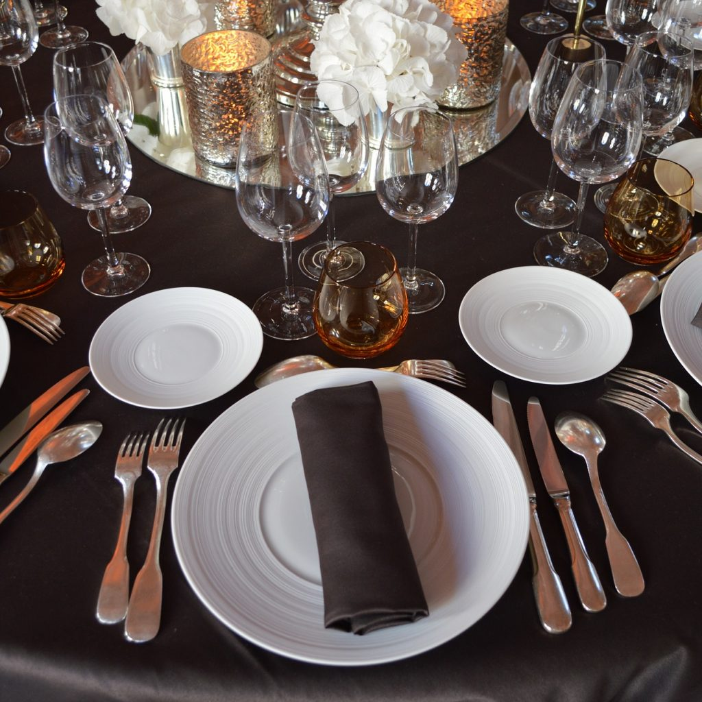 wedding-catering-reception-table-andrew-roby-events