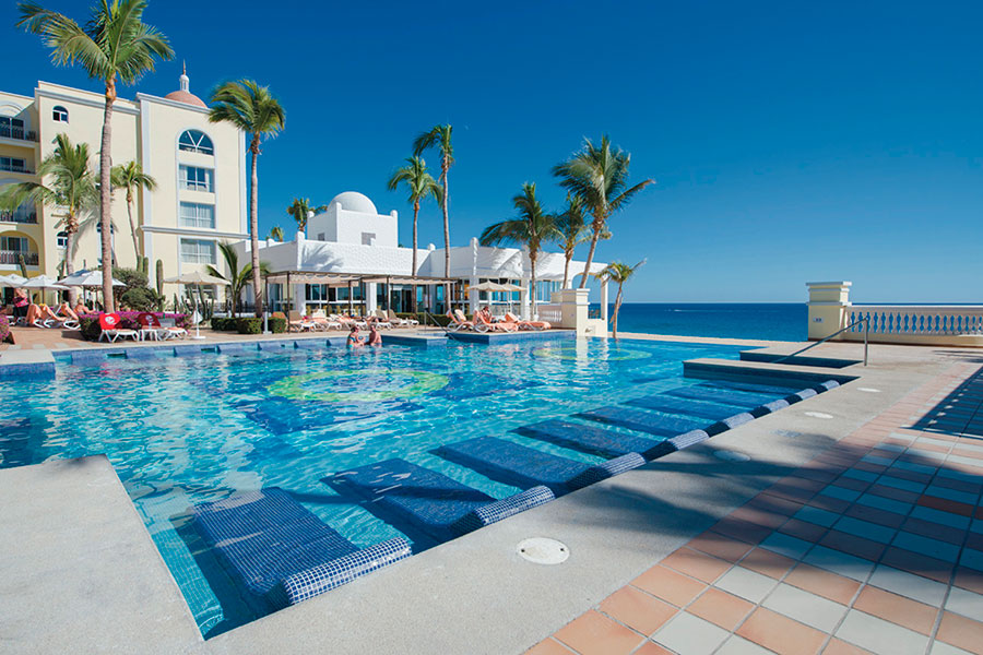 POOL-IN-MEXICO-ANDREW-ROBY-EVENTS